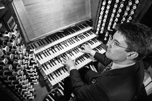robert sharpe at organ 5